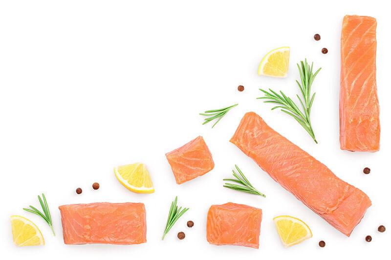 Gnocchi al salmone e gamberoni in crema di Philadelphia e granella di pistacchi